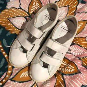 Leather Crown White Sneakers Velcro